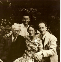 Eric Spencer Macky (B3a) and Constance, Donald (B3a1, seated) and Lloyd (B3a2) about 1945